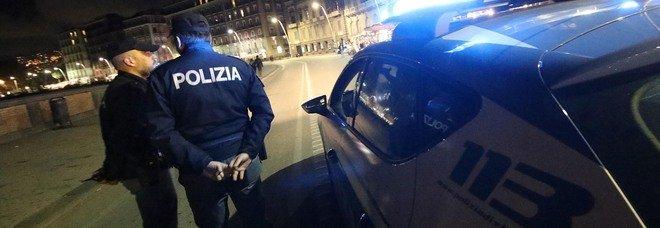 Lungomare di Napoli, fugge alla vista della polizia a bordo di uno scooter rubato e parte l'inseguimento: arrestato 43enne