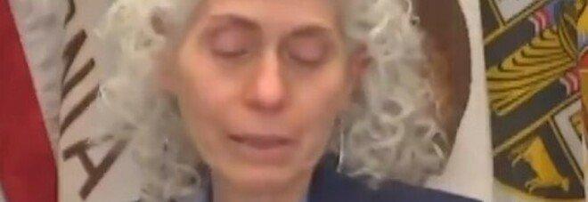 Covid, la capa della sanità di Los Angeles piange in diretta: «Oltre 8.000 morti, perdita incalcolabile»