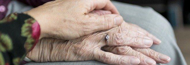 Covid a Portici, focolaio nella casa di riposo: due anziani morti nella notte