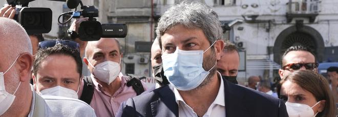 Roberto Fico a Napoli: «Non commento l'esclusione delle liste, io mi attengo alle regole»