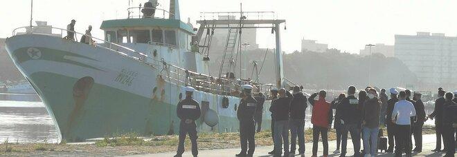 Aliseo, il comandante: «Ho contato più di 100 colpi in Libia». Il racconto dell'abbordaggio della motovedetta