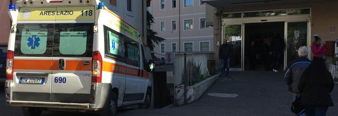Roma, medico maniaco sedava pazienti (uomini) e ne abusava: incastrato dai video. A processo
