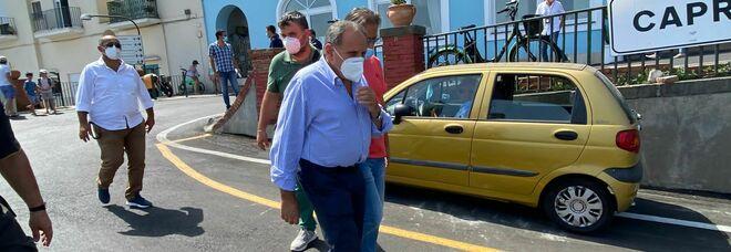 Incidente a Capri, nuova ispezione a Marina Grande: un elicottero per rimuovere i resti del minibus