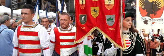 Nel Centro Storico di Napoli la rievocazione storica del patto con San Gennaro