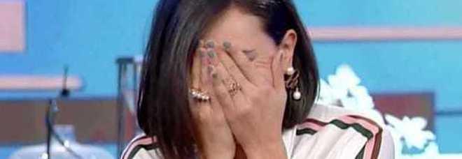 Caterina Balivo piange in diretta: «Scusate non ce la faccio». Poi spiega tutto su Instagram