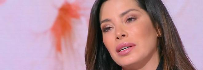 Storie Italiane, il dramma di Aida Yespica: «Stuprata a 7 anni da un amico di famiglia»