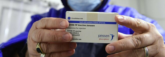 Vaccino Johnson & Johnson, il numero di trombosi è irrisorio e i coaguli possono essere curati
