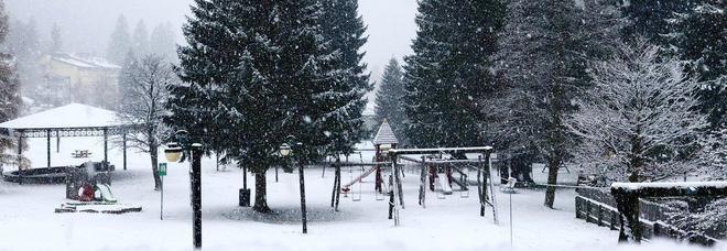 Meteo, arriva l'inverno: neve, vento e nubifragi su tutta Italia