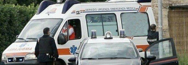 Incidente sul lavoro, operaio 30enne muore con la testa schiacciata tra il muletto e un palo