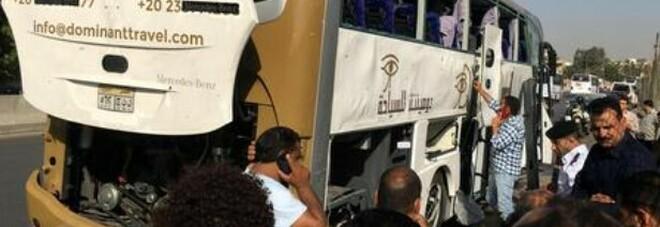 Egitto, incidente per un bus turistico: 12 morti e 34 feriti. Tornavano da Sharm El-Sheikh