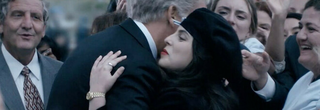 Scandalo sessuale alla Casa Bianca diventa una serie, l'ex stagista Lewinsky: «Clinton dovrebbe chiedere scusa»