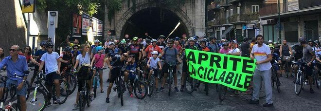Napoli Bike Festival: «Riaprire la pista ciclabile in Galleria Quattro Giornate è un'esigenza impellente»