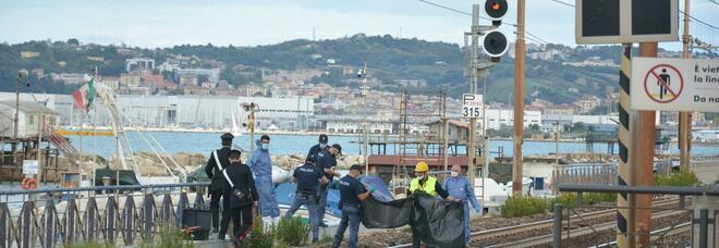 Ancona, muore investito da un treno: disagi sulla linea ferroviaria