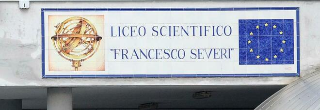 Covid a Salerno, nuovi contagi in classe: «Ora tutti in trincea per la maturità»