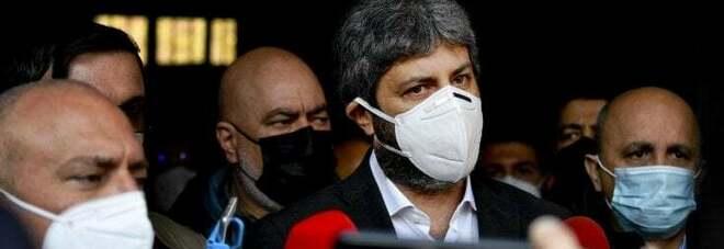 Elezioni comunali a Napoli, il Pd apre a Fico ma è scontro tra M5S e deluchiani