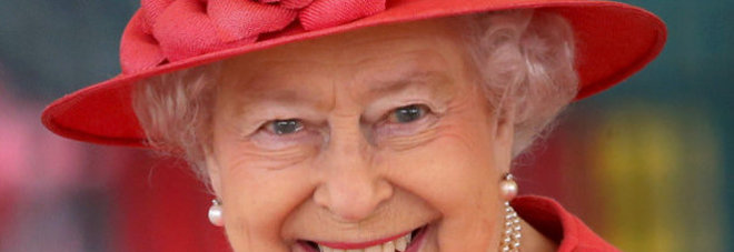 La regina elisabetta cerca un arredatore lo stipendio for Arredatore lavoro