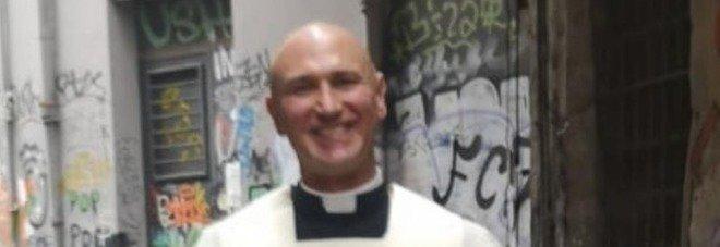 Droga e teppisti a Napoli, il parroco chiede aiuto: «Hanno dato fuoco alla chiesa»