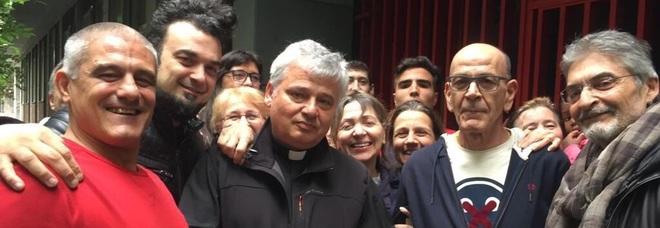 Il Vaticano ridà luce agli abusivi: blitz del cardinale nel palazzo occupato