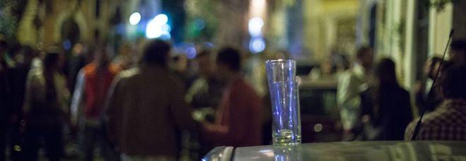 Clochard ucciso in centro a Roma, scene da Bronx davanti al Miur