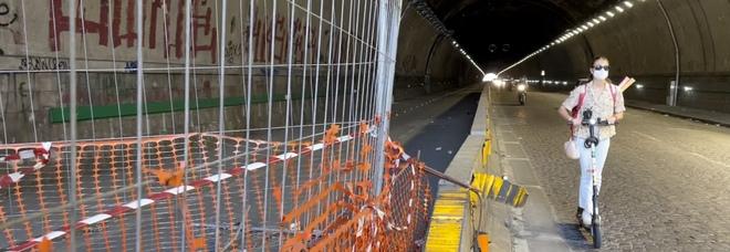 Napoli, il mistero della pista ciclabile chiusa nel tunnel Quattro Giornate