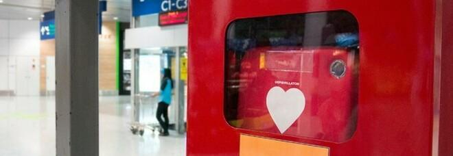 Defibrillatori nei luoghi pubblici e al lavoro: è legge. Dove sarà obbligatorio