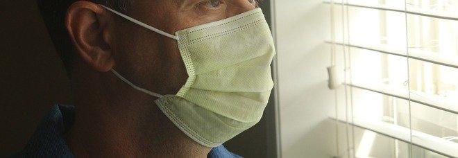 Covid: quanto ci si può contagiare stando con un infetto in stanza o in auto? Simulalo al pc