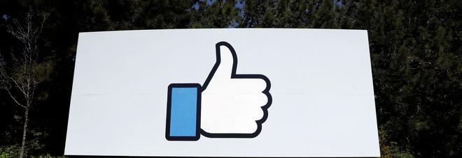 Facebook down alle 13.30, tornato operativo. E non si arresta lo scandalo privacy