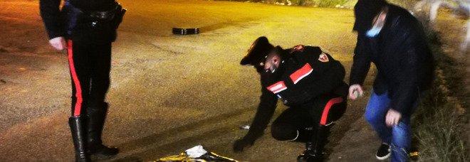 i carabinieri sul luogo della sparatoria in zona industriale a Lanciano (foto Andrea Colacioppo)
