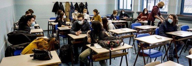 Covid e scuole, quarantene e chiusure: gli ultimi 28 giorni di lezione sono un calvario