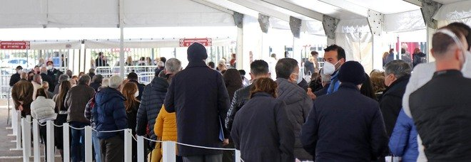 Vaccini agli over 80 in Campania: 10mila gli invisibili rimasti senza dose