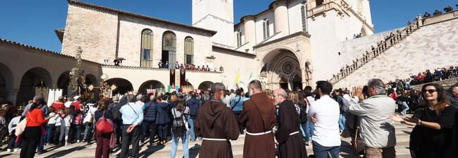 Virus, ad Assisi i frati contagiati salgono a 18: «Li abbiamo isolati tutti»