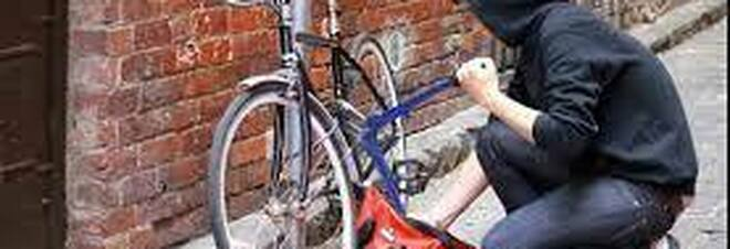 Napoli: gli rubano la bici, la ritrova su un sito di vendite on line