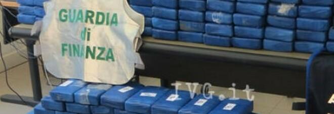 Cocaina, maxi-sequestro di 1,3 tonnellate a Gioia Tauro: avrebbero fruttato 260 milioni di euro