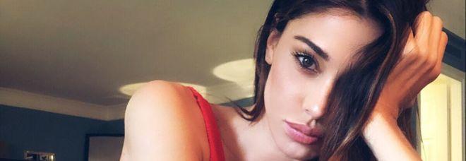 Belen Rodriguez è single, la conferma a Tu si que vales. Frecciatina a Iannone e all'ex Stefano De Martino