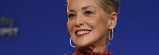 Sharon Stone e quel film in Italia: «Umiliata dal regista per una scena di sesso»