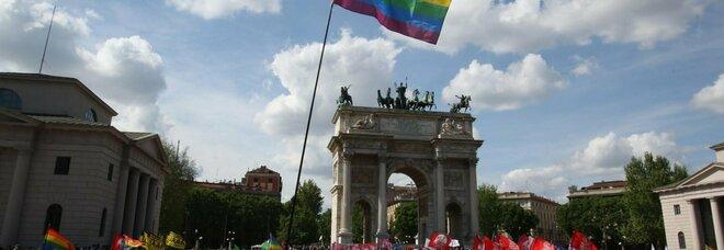 Ddl Zan, manifestazione a Milano: da Francesca Pascale a Paola Turci, 8mila persone in piazza