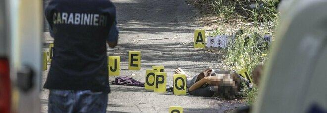 Roma, trovato il cadavere di un uomo sulla Prenestina: colpito alla testa e seminudo, ipotesi omicidio