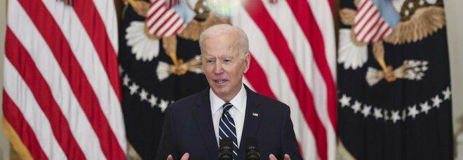 Joe Biden, tonfo sondaggi: il consenso per il presidente Usa crolla al 44%