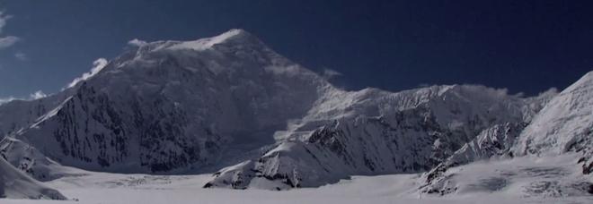 Scioglimento ghiacciai, 66 tonnellate di escrementi umani minacciano l'Alaska