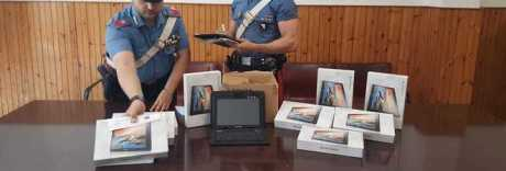 Bloccati due presunti ladri di tablet scolastici nel Napoletano