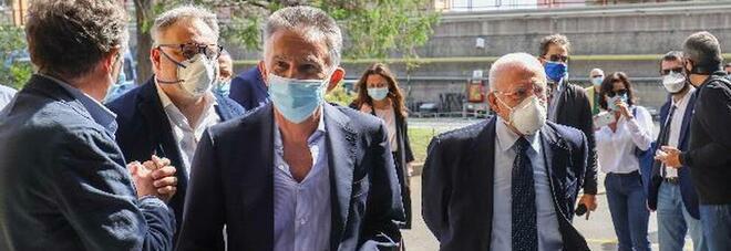 «Vaccino Covid a Napoli, priorità al trasporto pubblico», e arrivano più tamponi rapidi per gli autisti