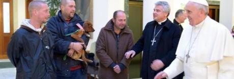 Papa Bergoglio regala tremila gelati ai clochard per il suo onomastico