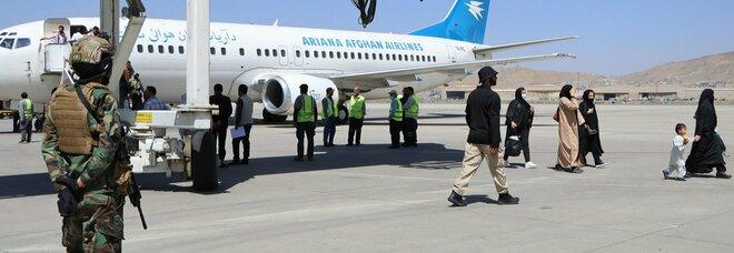 Afghanistan, poliziotta uccisa a Kabul. Il governo dei talebani ancora in alto mare