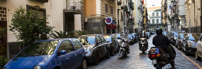 Via Sedile Di Porto 51.Napoli Parcheggiatore Da 50 Anni Paga Qua Sono Io Il Padrone