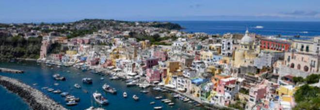 Vaccino, da Ustica e Procida a Tremiti, Ischia e Capri le isole italiane Covid-free pronte ad accogliere turisti