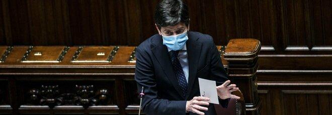 Roberto Speranza, il ministro della Salute nel mirino di pezzi della maggioranza: ma lui resiste all'ipotesi dimissioni