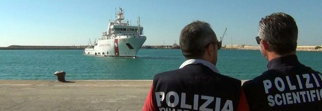 Libia, morte 15 persone in un naufragio al largo di Sabratha. L'allarme dell'Oim: «Troppi ritardi nell'assistenza»