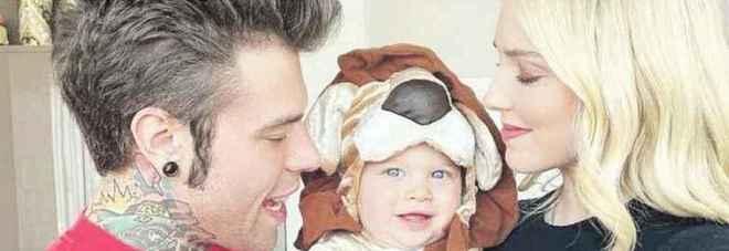 Fedez e Chiara Ferragni con il figlio Leone