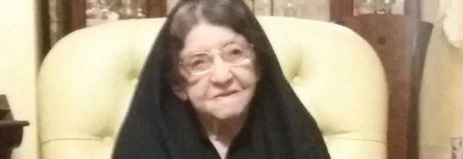Nonnina sarda di 106 anni ritira la card per la pensione di cittadinanza: riceverà 86 euro