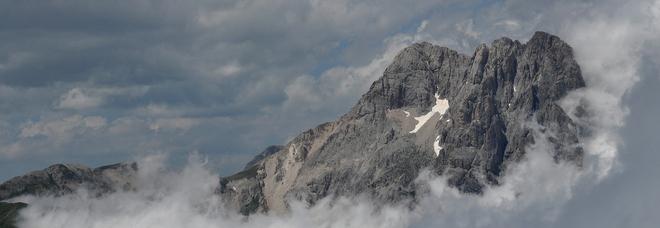 Abruzzo, nevica sul Gran Sasso: il manto potrebbe raggiungere mezzo metro di altezza